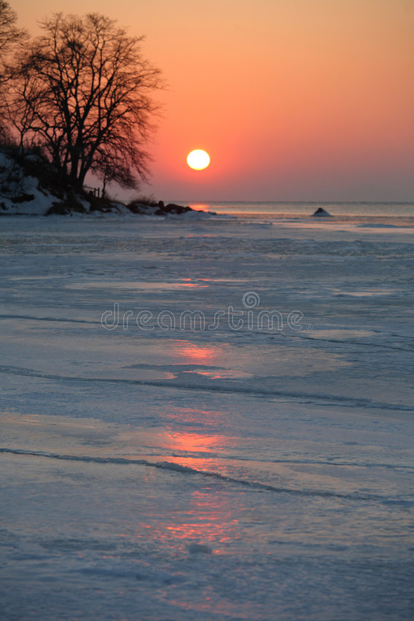 Download Mare di Giappone. Isola 10 immagine stock. Immagine di pietre - 7319725