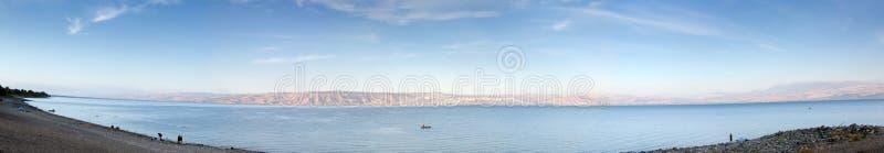 Mare di panorama della Galilea nel primo mattino fotografia stock libera da diritti