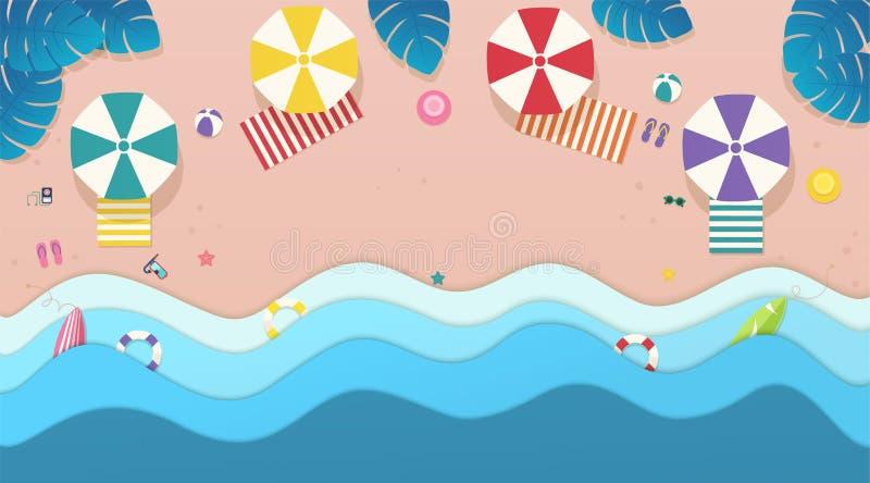 Mare di vista superiore, spiaggia con gli ombrelli, letti del sole e foglie tropicali intorno illustrazione vettoriale