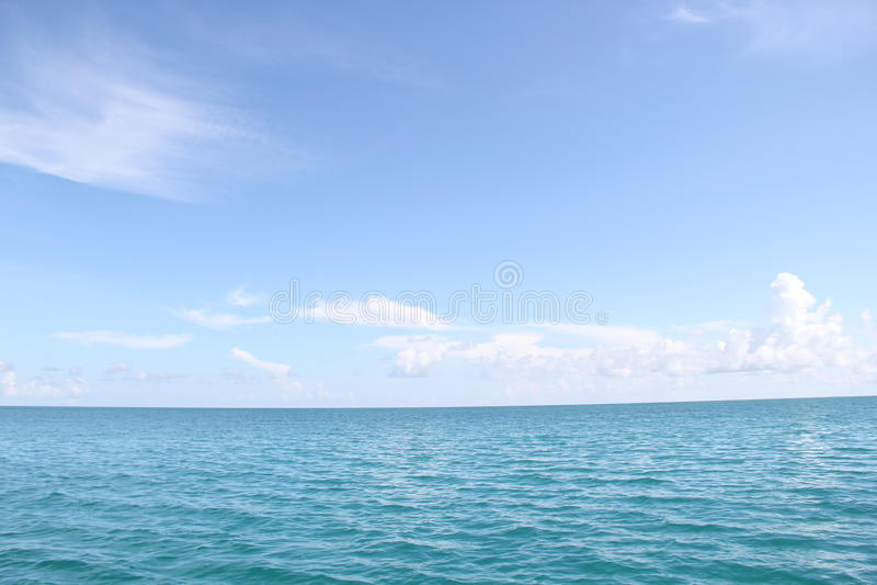Mare e cielo senza fine immagine stock