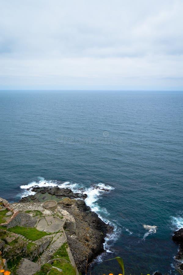 Mare ondulato in un'aria ventosa immagine stock libera da diritti