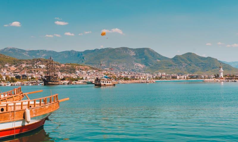 Mare in Turchia Feste turche della costa in Turchia immagine stock