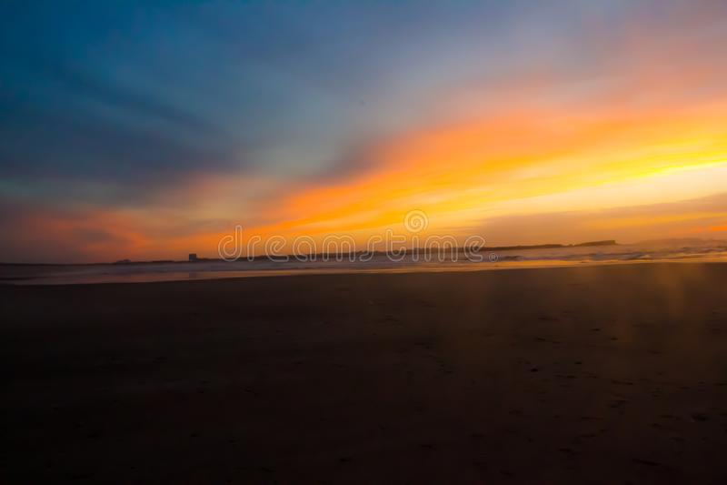 Marea crepuscular y baja en la playa de Baleal, Peniche Portugal fotografía de archivo libre de regalías