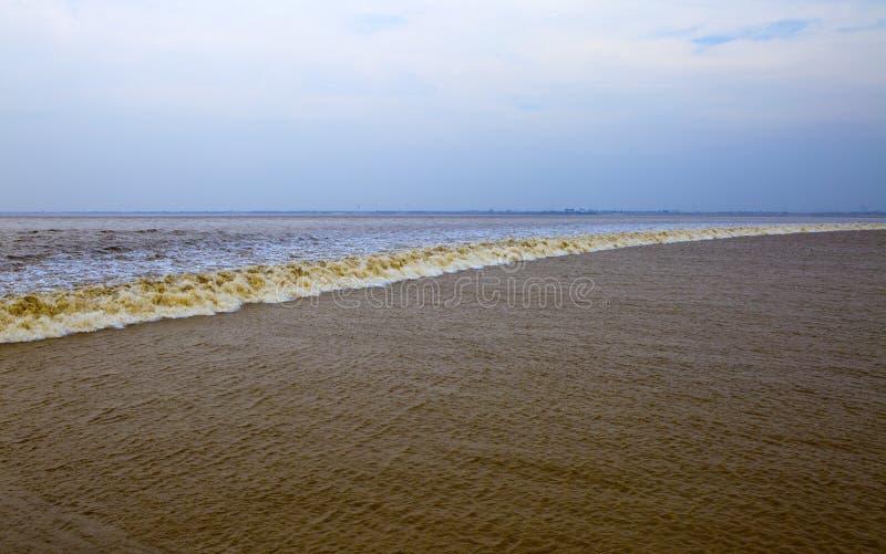 Marea de Qiantang fotos de archivo libres de regalías