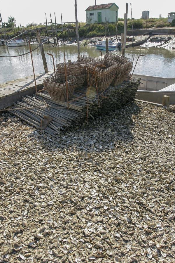 Marennes Γαλλία 12-13-2018 Παραδοσιακό λιμάνι για το λιμάνι farminTraditional στρειδιών για την καλλιέργεια στρειδιών Marennes Ol στοκ εικόνα με δικαίωμα ελεύθερης χρήσης