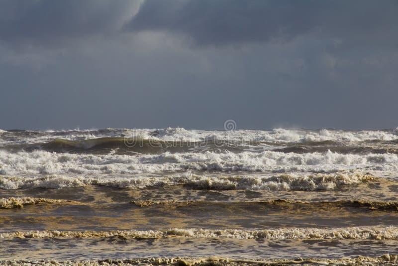 Mares tormentosos fotografia de stock royalty free