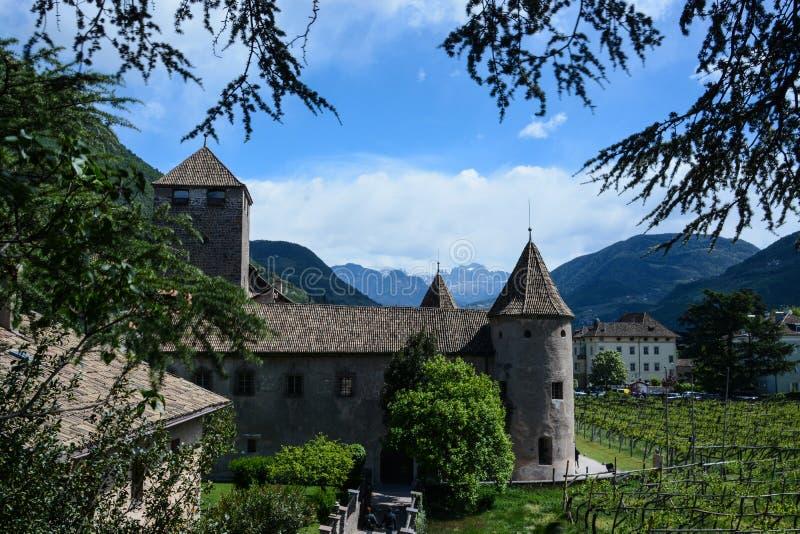 Maretsch slott, Bolzano, Italien royaltyfri bild