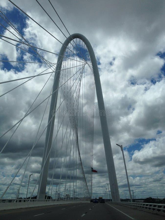 Margaret Hunt Bridge em Dallas fotografia de stock royalty free
