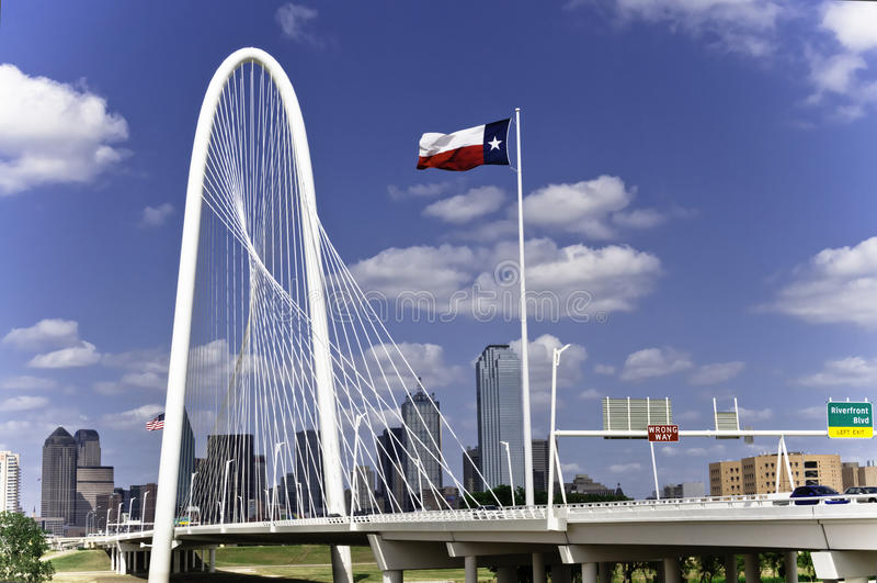Margaret Hunt Hill Bridge a Dallas immagini stock libere da diritti