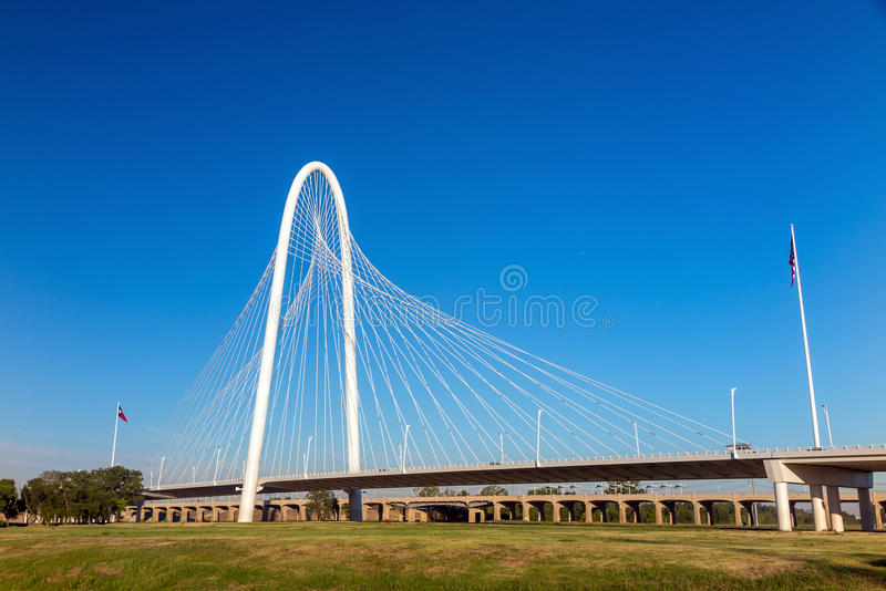 Margaret Hunt Hill Bridge a Dallas fotografia stock libera da diritti