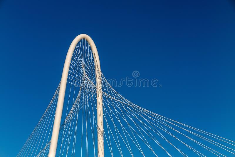 Margaret Hunt Hill Bridge in Dallas stock foto's