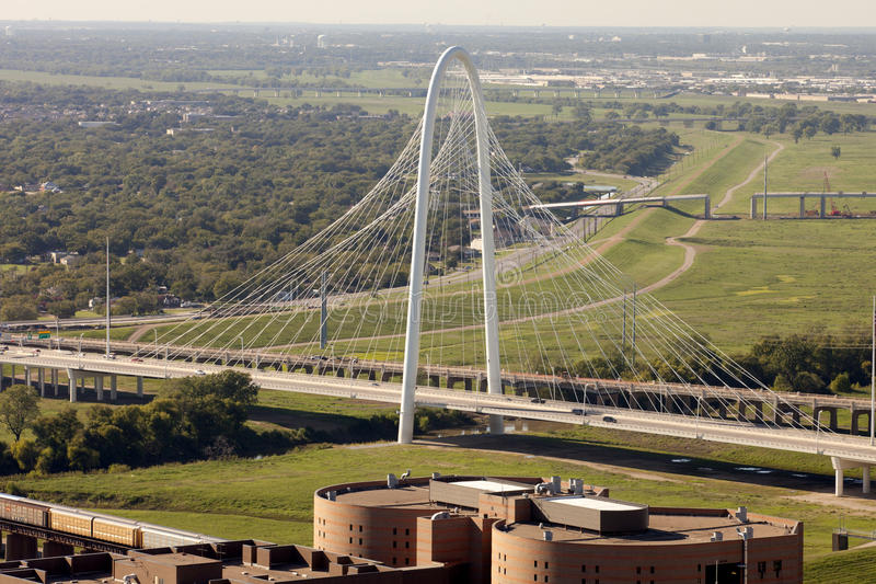 Margaret Hunt Hill Bridge - Dallas, le Texas image stock