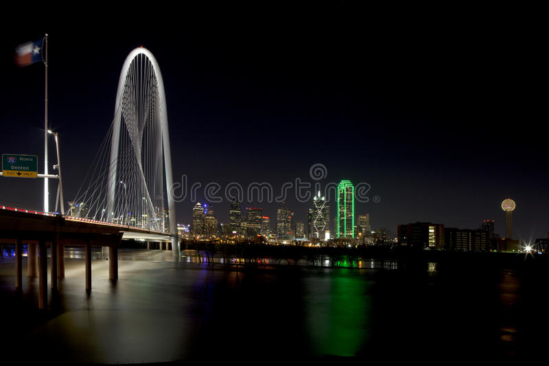 Margaret Hunt Hill Bridge in Dallas van de binnenstad, Texas stock foto