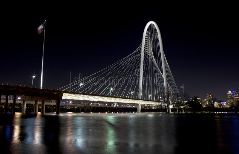 Margaret Hunt Hill Bridge in im Stadtzentrum gelegenem Dallas, Texas stockfoto