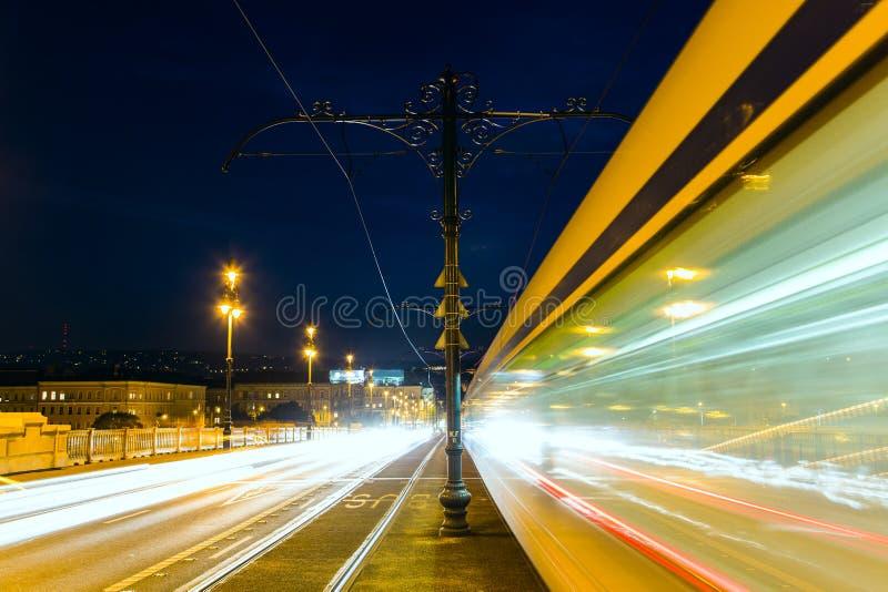 Margaret most przy nocą w Budapest obraz stock