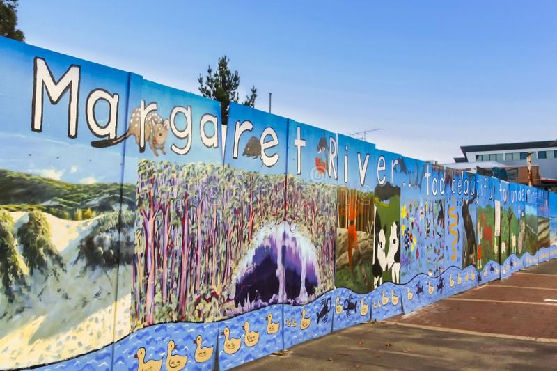 Margaret rzeka, zachodnia australia - 2011: Grafika przy stroną bruk obrazy royalty free