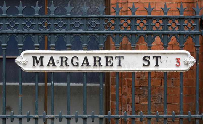 Margaret ulicy C rocznika Brytyjscy znaki uliczni obrazy royalty free