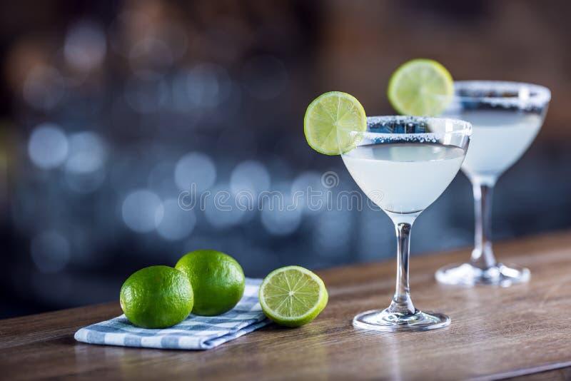 margarita Bevanda alcolica del cocktail di Margatita su barcounter nella p immagini stock libere da diritti