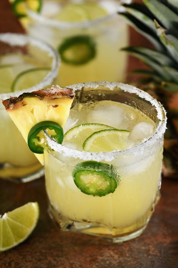 Margarita d'ananas avec le Jalapeno photos stock