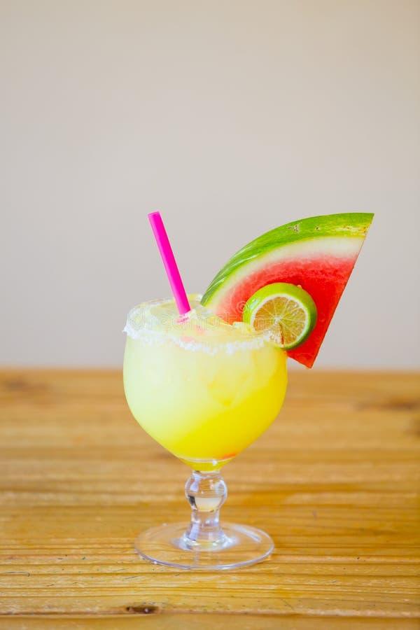 Margarita traditionnelle de pastèque photos stock
