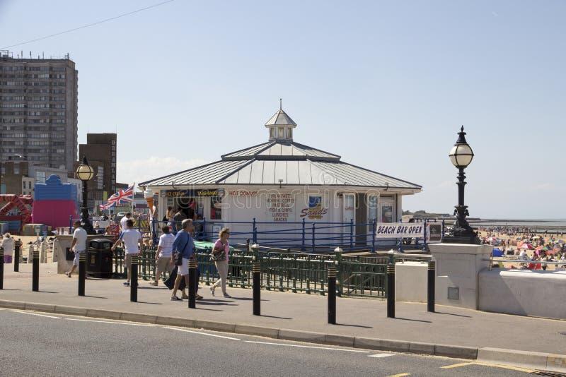 MARGATE, UK 8 Αυγούστου: Παραλία Margate's στοκ εικόνα