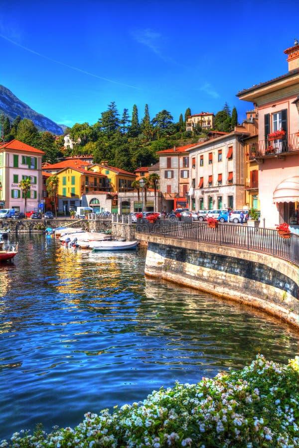 A margem bonita de Menaggio, lago Como, Lombardy, Itália fotos de stock royalty free