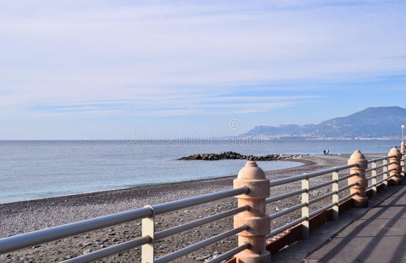 Margem do ` s de Bordighera em Itália fotos de stock royalty free