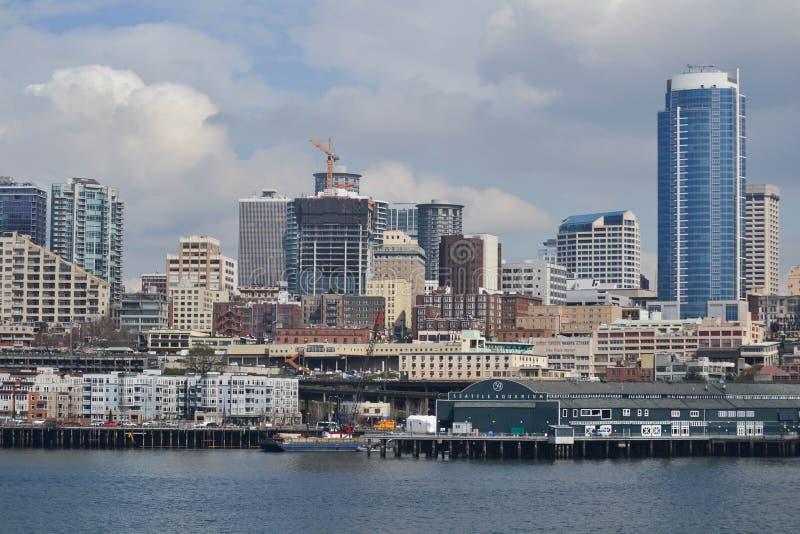 Margem e skyline, Seattle, Washington fotografia de stock