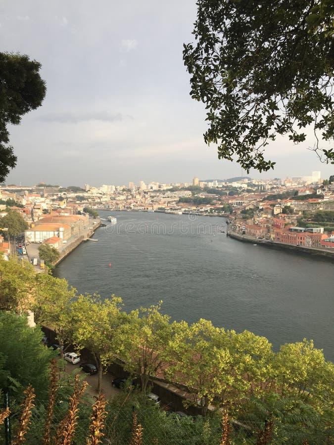 Margen del río Foto en Oporto imagen de archivo libre de regalías