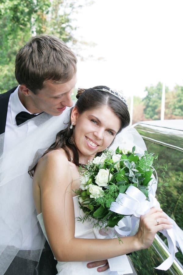 Marié et mariée avec le bouquet photos libres de droits