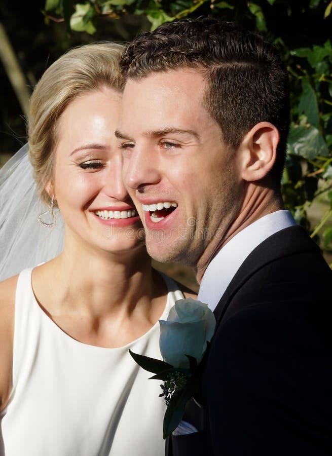 Marié Wedding de jeune mariée images stock