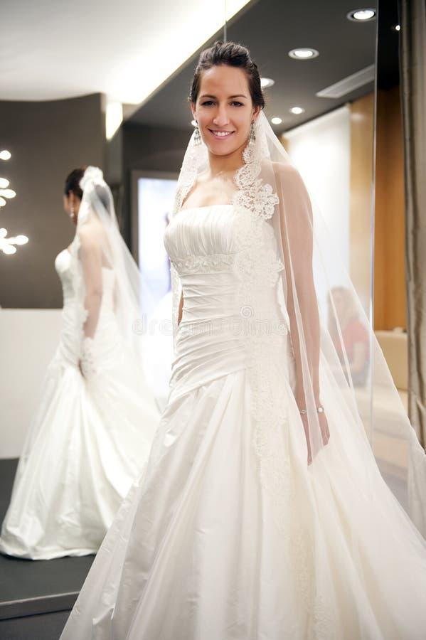 Mariée avec la robe photo stock