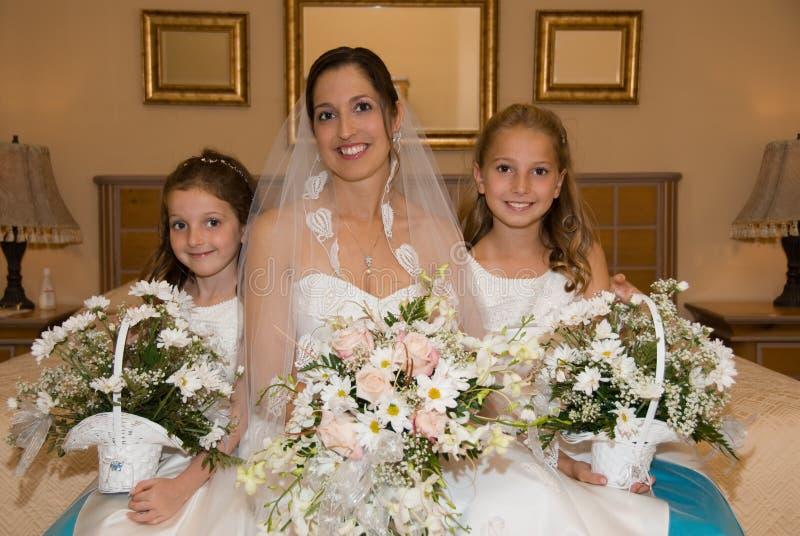 Mariée et descendants photos libres de droits