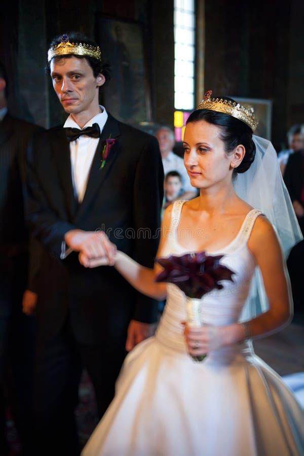 Mariée et marié à la cérémonie de mariage photo libre de droits