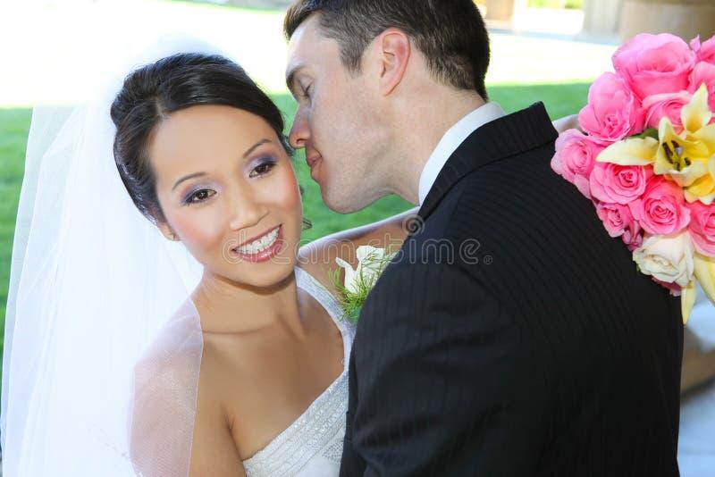 Mariée et marié au mariage image stock