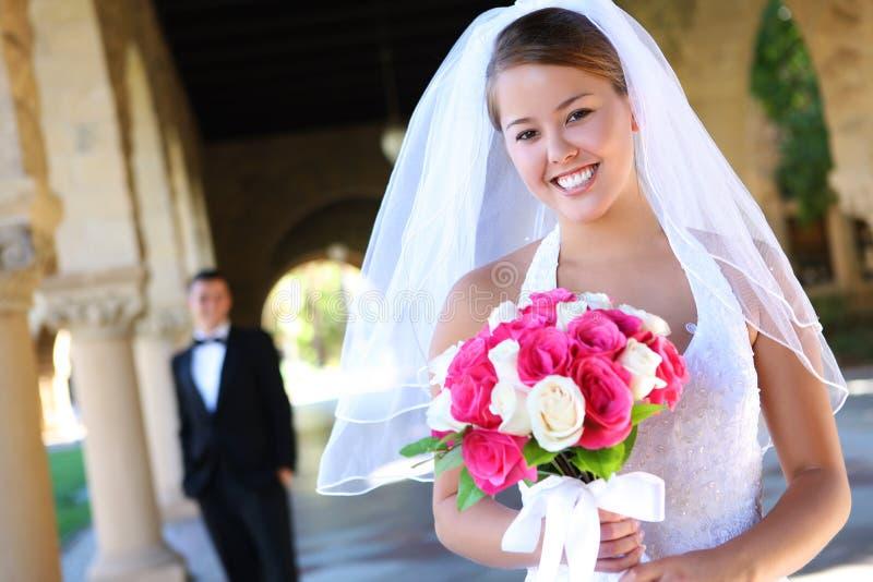 Mariée et marié au mariage images libres de droits