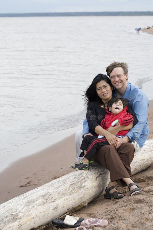 Mari, épouse et fils Biracial images libres de droits