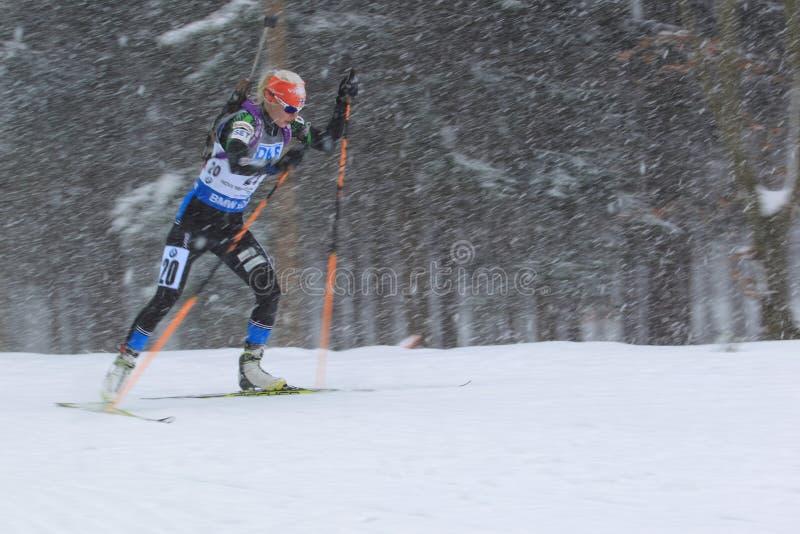 Mari Laukkanen - biathlon arkivfoton