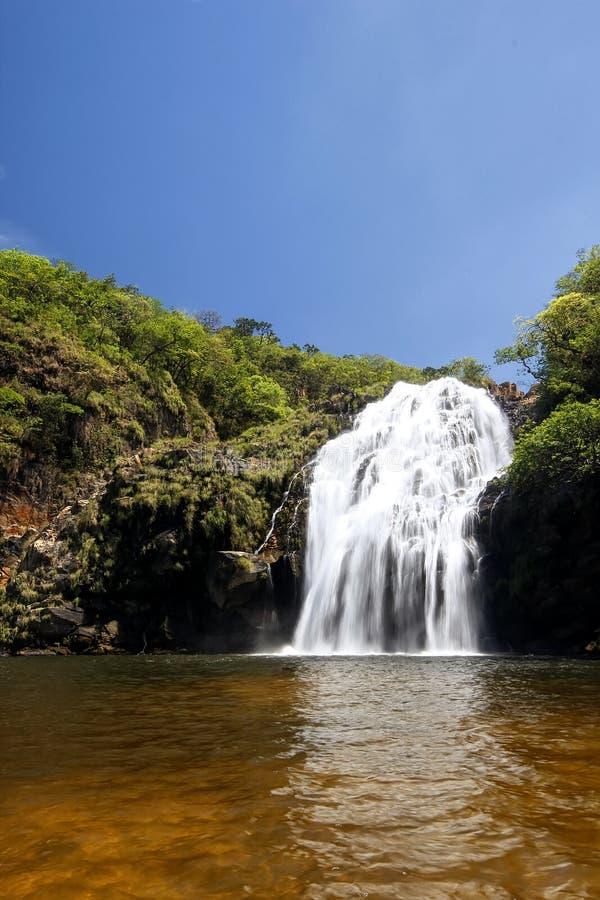 Maria Augusta Waterfall en el sao Batista hace a Gloria, Serra da Canastra - Minas Gerais, el Brasil imágenes de archivo libres de regalías