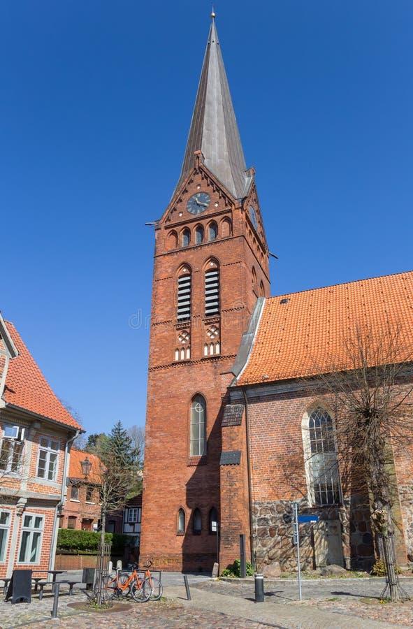 Maria kyrka i den historiska mitten av Lauenburg arkivbild