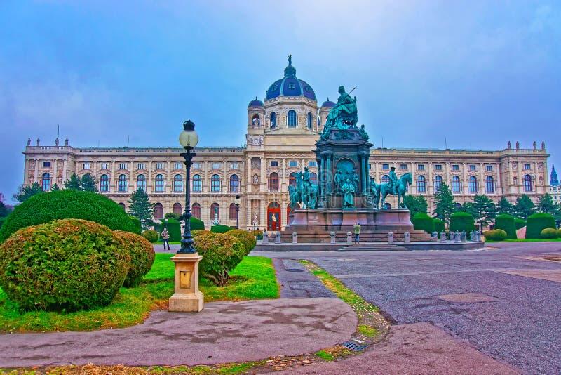 Maria Theresa Statue dans le musée de Vienne de l'histoire naturelle photographie stock