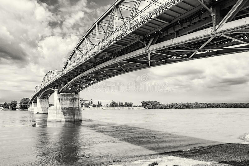 Maria Valeria most od Esztergom, Węgry Sturovo, Slovaki obrazy stock