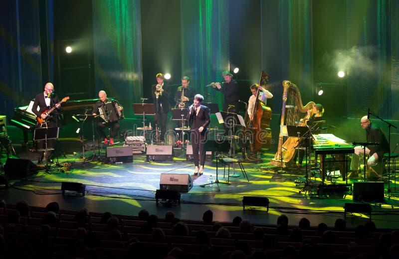 Maria Ylipaa voert levend op 28ste April Jazz uit stock fotografie