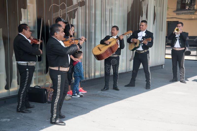 Mariachi auf Piazza Garibaldi in Mexiko City stockfotografie