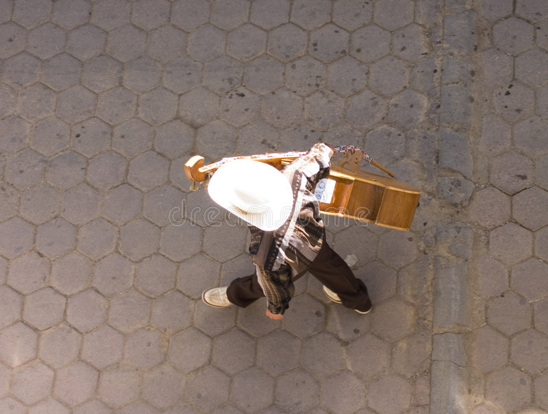 Download Mariachi de acima imagem de stock. Imagem de lagosta, guitarra - 103413