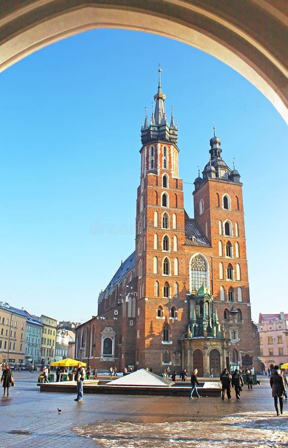 Mariacki-Kirche auf Hauptplatz von Krakau-Stadt, Polen stockfotografie