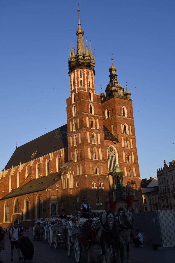 Mariacki kościół w Targowym kwadracie w Krakow Krakow nieoficjalny kulturalny kapitał Polska obraz stock