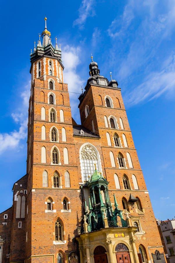 Mariacki kyrka, Krakow, Polen, Europa arkivbild