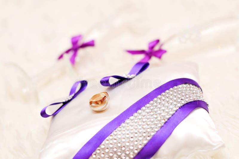 Mariage, carte de voeux, invitation, vacances, blanches images libres de droits