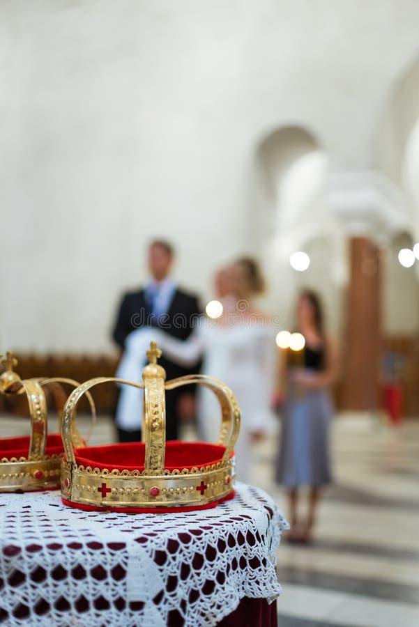 Mariage d'église photographie stock libre de droits